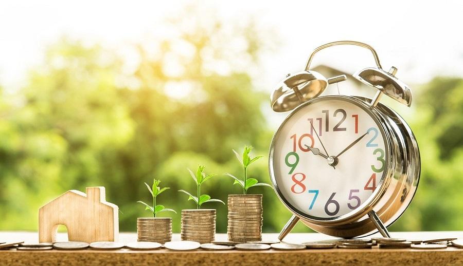 Pengar, klocka och hus